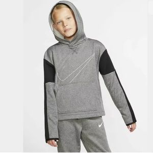 NIKE Therma Graphic Hoodie Sweater/Sweatshirt